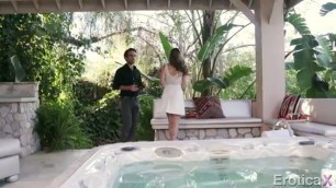 Kimmy Granger fucked in the pool