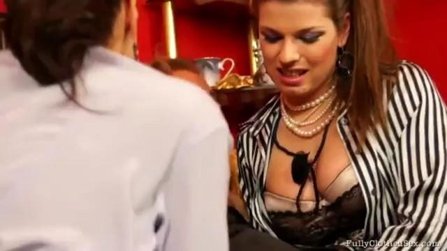 Bloused Up Lesbo Babes Go Threesome Hard Mona Lee Ferrera Gomez Adel Sunshine