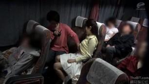 Asian Girl Get Her Pussy Fingered Inside Public Bus Xnxxx