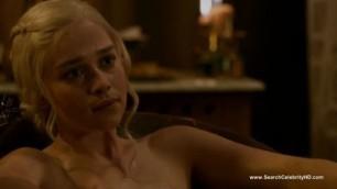 Emilia clarke naked game of thrones