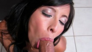 big dick does not fit into the small mouth student Jasmine Gomez