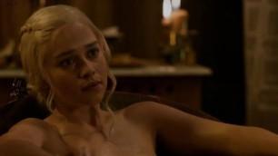 Stunning Emilia Clarke nude in the bath Game Of Thrones
