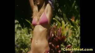 Jennifer Aniston Showing her Celebrity MILF Boobs