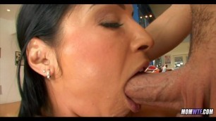 Cute MILF goes Ass to Mouth